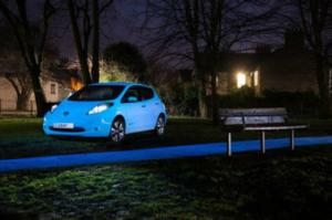 Nissan desarrolla pintura para coches que brilla en la oscuridad