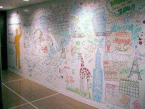 Por fin los niños pueden pintar en las paredes