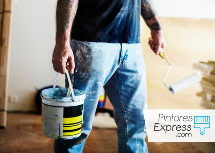 Cómo quitar capas de pintura de una casa